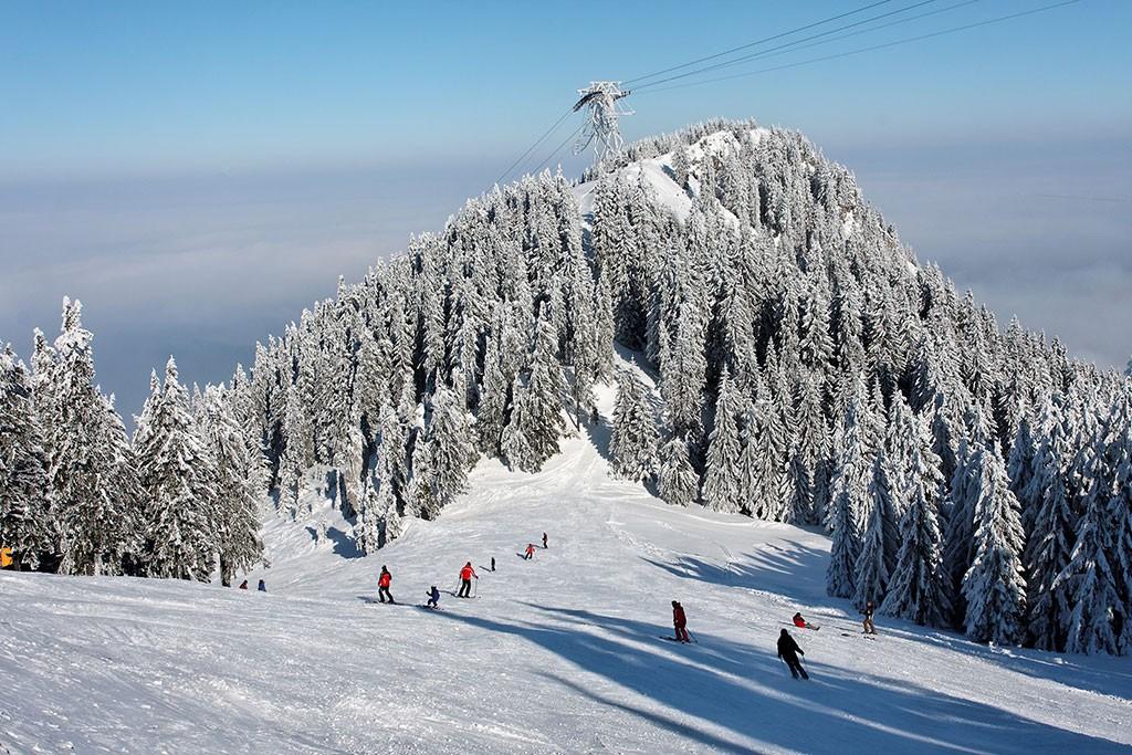 visit romania brasov skiing